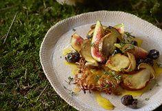Steinpilz-Rösti auf Oliven-Feigensalat mit Zitrusdressing