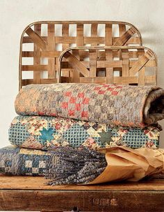 Code: ISBN: 9781604689037 Author: Marie-Claude Picon Blend the beauty of antique quilts with the simplicity of primitive stitchery and what do you get? The French-farmhouse look! Designer Marie-Claude Picon from the south of France shares how you c Farmhouse Quilts, Country Quilts, Country Farmhouse Decor, Country Primitive, Primitive Stitchery, Primitive Crafts, Vintage Farmhouse, Primitive Bedroom, Primitive Quilts