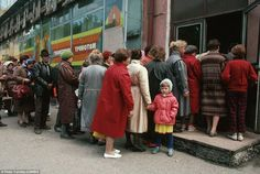 Here is a picture of Russian people enjoying their health care system in the 1980s #GetCovered pic.twitter.com/r2Asu8xsAa