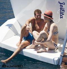 Joïlita en tête à tête avec Adriano  #bateau #bikini #chapeau #Méditerrané