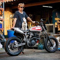Yamaha #XT600 #tracker by @kiddomotors, with mascot Otto!