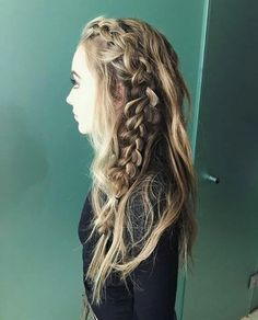 Sabrina Carpenter || Hairstyle || Braid || @mariecabadas. Follow me for more. @mariecabadas