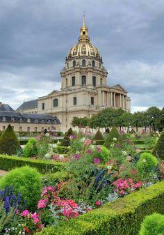 Les Invalides in Paris...burial place of Napoleon