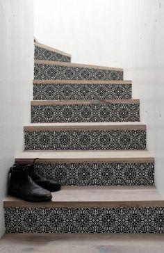 trapsticker, trapstickers, Classic, traprenovatie, tegel, tegels, tegelmotief, zwartwit, zwart wit, trap renoveren, trap renovatie, stootborden, stootborden stickers, stootborden trap renoveren,