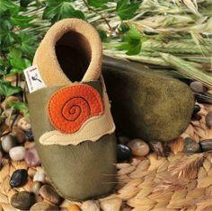 Patuco ecológico de suela blanda CARACOL verde - Marketplace de tiendas para niños de 0 a 14 años