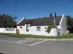Stanford, Overberg www.toursducap.com Provinces Of South Africa, Small Towns, Westerns, Cape, Buildings, Outdoor Decor, Mantle, Cabo, Coats