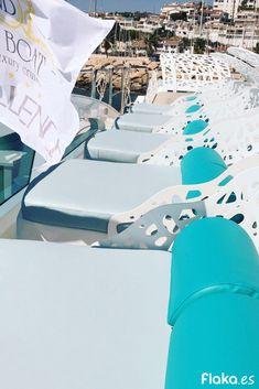 Proyecto de #decoración para Vip Boat  . . #estilo #deco #design #lujo #boat #luxury #style #diseño #ChillOut #exterior #mobiliario #nautico #balinesa #turquesa Interior Exterior, Outdoor Furniture, Outdoor Decor, Sun Lounger, Chill, Boat, Luxury, Projects, Home Decor