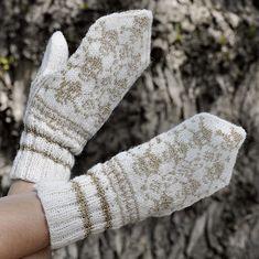 Månedens oppskrift: FEBRUAR 2017   Tjorven Garn Scarfs, Fingerless Gloves, Arm Warmers, Mittens, Knit Crochet, Knitting, Fashion, February, Threading