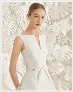 """Elegance and sophistication set the tone for the new Rosa Clara 2017 collection!… Eleganz und Raffinesse bestimmen die neue Kollektion Rosa Clara """"Bald in unserem Laden"""" # Elegant Dresses Classy, Lovely Dresses, Classy Dress, Classy Outfits, Look Fashion, Girl Fashion, Dresses For Teens, Formal Dresses, Dress Outfits"""