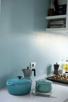 Modern Home Decor Kitchen Home Decor Kitchen, Kitchen Interior, Home Kitchens, Rustic Kitchen Cabinets, Kitchen Dining, Murs Turquoise, Turquoise Kitchen, Color Turquesa, Kitchen Paint Colors