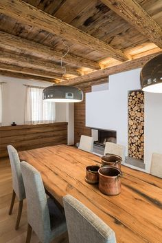 Chalet Interior, Home Interior Design, Stone House Plans, A Frame Cabin Plans, Bright Dining Rooms, Cabin Homes, Küchen Design, Home Living Room, Sweet Home