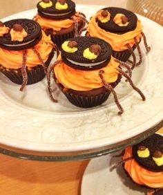 HALLOWEEN RECIPES: Not-So-Scary Spider Cupcakes. #halloween #cupcakes
