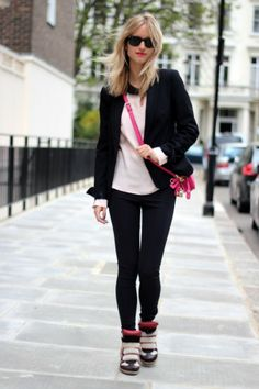 Gorgeous Pink Small Cross Body Bags, 2013 Fall/Winter Bag Fashion #small #cross #body #bags www.loveitsomuch.com