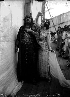 Enrico Caruso and Gabriela Bezanzoni, México (1919)