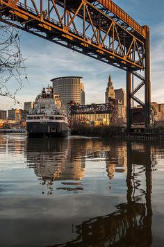Freighter heading down the Cuyahoga River headed out towards Lake Erie. Cleveland Art, Downtown Cleveland, Cleveland Rocks, Cleveland Skyline, Carl Sagan, Picasso, Great Places, Places To Go, Ohio Image