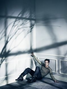 TVD S4 Photo Shoot Outtake of Michael Trevino
