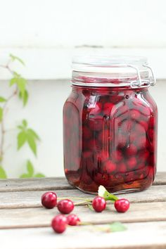 Cherries in rum. Fresh Fruit, Rum, Mason Jars, Berries, Cherry, Mason Jar, Bury, Rome, Prunus