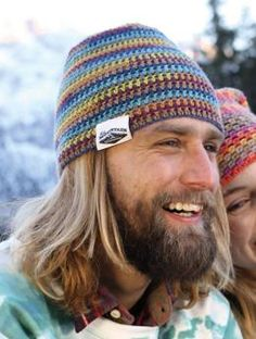 """Free My Mountain Pattern Moncayo - Hardy nature-lovers will be crazy about this crocheted hat in Regia 6-ply Stripemania Color (head circumference 23""""). With its shades of earth and sky it will remind them of clear autumn mornings in the mountains. Perfect for memorable hikes in the mountains and ski tours!"""