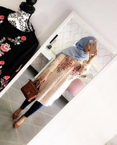 "15.8 k likerklikk, 47 kommentarer – hijab style icon (@hijabstyleicon) på Instagram: ""@inspirationofahijaaabi ♡♡♡♡♡♡♡♡♡♡♡♡♡♡ #tesettur#hijabfashion #hijabstyle #hijabbeauty #winter…"""