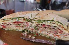 Gateau de crèpes salés Crape Cake, Tapas, Sandwiches, Pancake Cake, Savory Pancakes, Winter Food, Spanakopita, Salmon Burgers, Bon Appetit