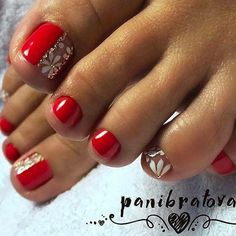 What Christmas manicure to choose for a festive mood - My Nails Pretty Toe Nails, Cute Toe Nails, Diy Nails, Pretty Pedicures, Toe Nail Color, Toe Nail Art, Nail Colors, Feet Nail Design, Toe Nail Designs