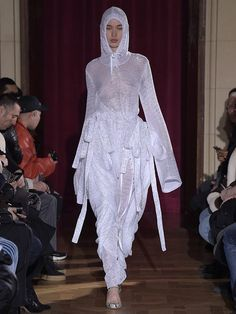 PFW: Y/PROJECT Fall Winter 2017.18 Women's Collection