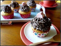 巧克力鮮奶油海綿杯子蛋糕