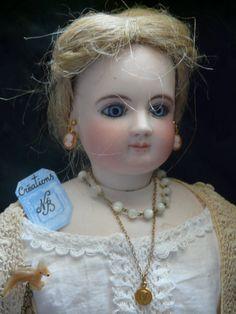 """hand made clothes NBcréations blog""""trotinette-et-coccinelle""""antique bisque doll, parisiennes Gauthier Parian Celluloid doll house"""
