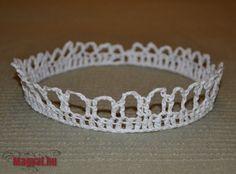 Horgolt korona - keményítés - farsang Diamond, Crochet, Bracelets, Silver, Halloween, Jewelry, Fashion, Creative, Moda