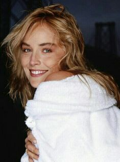 Sharon Stone Sharon Stone Photos, Cool Blonde, Good Looking Women, Yesterday And Today, Classic Beauty, Beautiful Actresses, Most Beautiful Women, Face And Body, Beauty Women