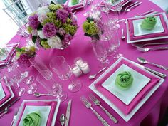 Looks like they just used tissue paper under the small plate to match the flowers and/or tablecloth