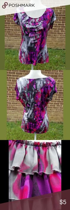WORTHINGTON  Women's Top Breathtakingly beautiful abstract print top in shades of Gray, purple, pink and red. The bodice and right shoulder are adorned with in tiered ruffles. In good condition with some minor wear see photos #3 and #4. Worthington Tops