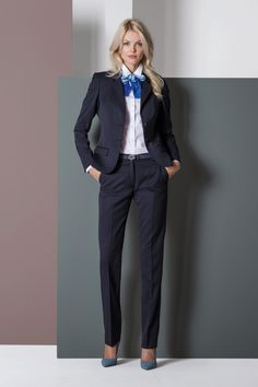 a2a2d66dc68f0e Berufsbekleidung, Corporate Wear, Business-look, Blaue Bluse, Business -outfits,