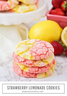 Strawberry Lemonade Cake Mix Cookies These strawberry lemonade cookies that are drizzled in a delicious icing, are the perfect combination of sweet and sour. Made using cake mix, these cookies are fast and easy to make! Strawberry Drink Recipes, Easy Strawberry Lemonade Recipe, Lemonade Cake Recipe, Pink Lemonade Cookies, Strawberry Cookies, Strawberry Smoothie, Lemon Cookies, Cake Mix Cookies, Cookies Soft