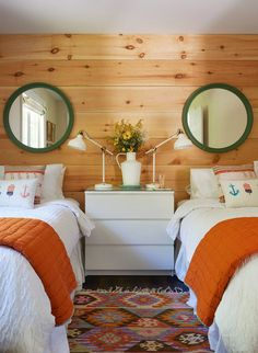 Shiplap Cottage Bedroom Shiplap Cottage Bedroom Ideas cottage bedroom with Knott. Shiplap Cottage Bedroom Shiplap Cottage Bedroom Ideas cottage bedroom with Knotty Pine shiplap decor sources on Home Bunch Modern Farmhouse Bedroom, Cottage Interiors, Cottage Bed, Lakehouse Bedroom, Bedroom Design, Home Bedroom, Pine Bedroom, Home Decor, Coastal Bedrooms
