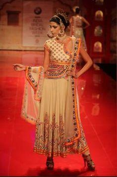 Suneet Verma Info & Review | Bridal Wear in Delhi NCR,Mumbai | Wedmegood
