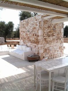 Outdoor Living in almost White -------- Tecno Immobiliare -------- Outside Seating, Hotel Room Design, Outdoor Living Rooms, Mediterranean Homes, Stone Houses, Shabby Chic Homes, Terrazzo, Pergola, New Homes