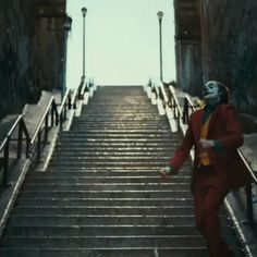 Discover & share this Joker Movie GIF with everyone you know. GIPHY is how you search, share, discover, and create GIFs. O Joker, Joker Film, Joker Und Harley, Joaquin Phoenix, Gotham Serie, R Memes, Funny Memes, Funny Gifs, Gif Bailando