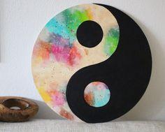 Yin Yang symbol on round shaped canvas board. Cd Wall Art, Cd Art, Canvas Art Quotes, Diy Canvas Art, Canvas Board, Vinyl Record Art, Vinyl Art, Ying Yang, Drawings Pinterest