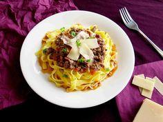 Tagliatelle s boloňským ragú // Ochutnejte svět - blog mezinárodní kuchyně