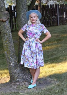 Marilyn Style: Flat Out Comfy #gardendress #ootd #fashionblog #vintagefashion #florals