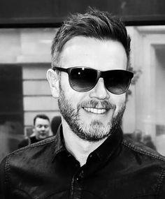 Gary Barlow Howard Donald, Jason Orange, Mark Owen, Gary Barlow, Robbie Williams, British Boys, Another Man, No One Loves Me, The Beatles
