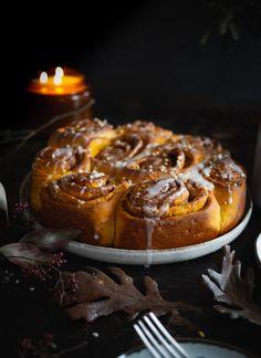 Dýňovo-skořicoví šneci   Máma peče doma Sweet, Blog, Recipes, Candy, Recipies, Blogging, Ripped Recipes, Cooking Recipes