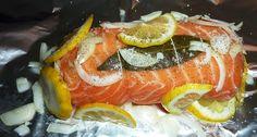 Roti de saumon farci aux noix de Saint-Jacques Saint Jacques, Caprese Salad, Mousse, Sushi, Gluten, Ethnic Recipes, Point, Baby, Good Morning Messages