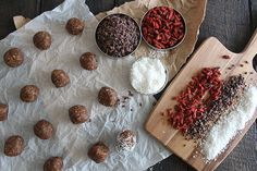 Nutrition Stripped | Almond Coconut Date Globes | http://www.nutritionstripped.com