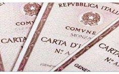 E' RIVOLUZIONE CARTA DI IDENTITA': UNA BRUTTA SORPRESA PER GLI ITALIANI Come già preannunciato dallo scorso anno, questa estate ci sono grosse novità in vista per i documenti di riconoscimento degli italiani. Dal prossimo mese di luglio infatti verrà inaugurata la tanto  #cartad'identità #novità