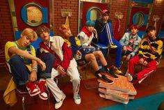 방탄소년단 @BTS_twt Hi~~ We are BTS! btsblog.ibighit.com #random #Random #amreading #books #wattpad