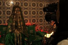 A divorced single parent in Morocco is determined to work as a wedding videographer despite resistance from her family.