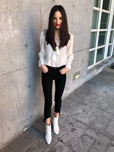 A Love Affair With Fashion : Color Trend: Black & White. I love this top. Playing Dress Up, Color Trends, Dapper, Personal Style, Normcore, Classy, Closet Space, Black And White, My Style