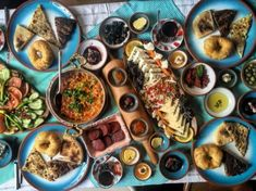 5 Breakfast Places in Istanbul - Affordable, with a View, Delicious Istanbul Food, Recipe Of The Day, Cravings, Healthy Recipes, Cheese, Meals, Breakfast, Ethnic Recipes, Beautiful Places